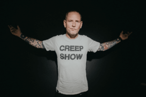 COREY TAYLOR BLACK EYES BLUE